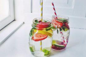 Ξεδιψάστε με Αρωματικό Νερό