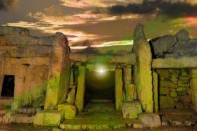 Γι' αυτό το Isis καταστρέφει αρχαιότητες