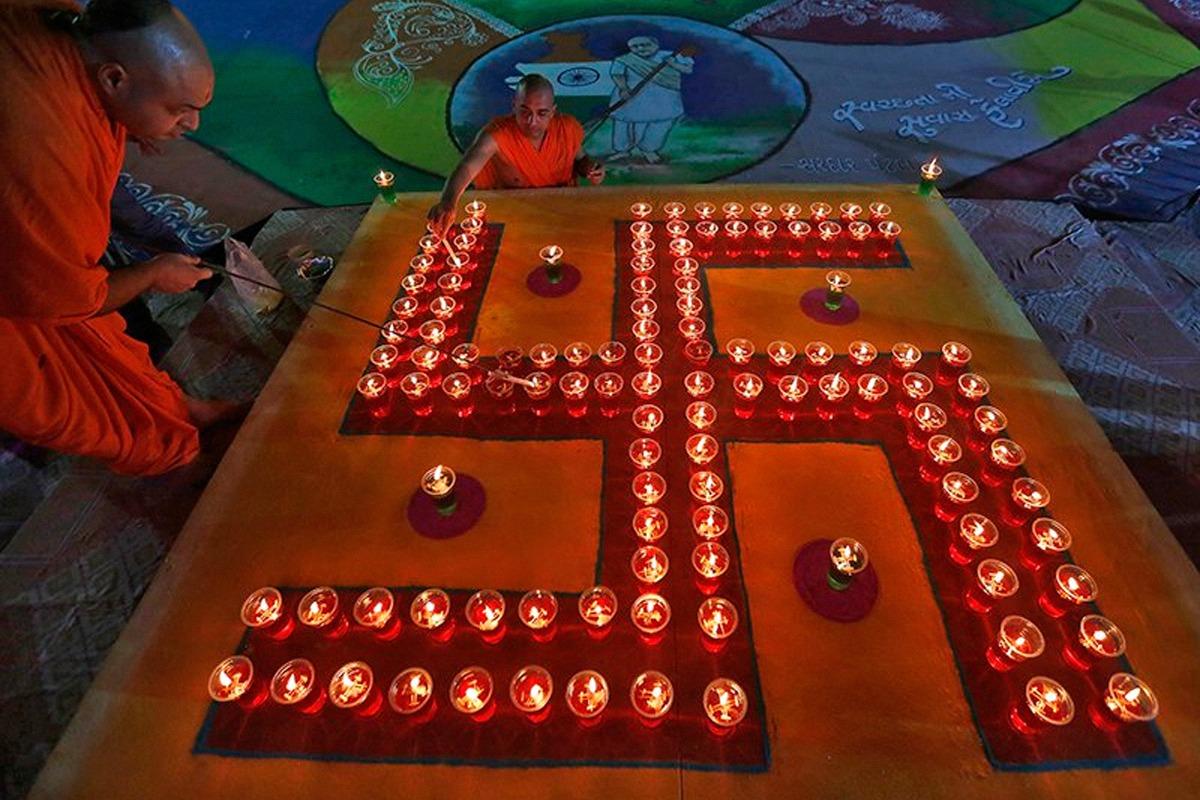 terrapapers.com_sacred swastika symbol (m)