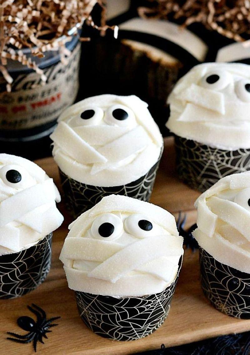 Halloween-Cupcakes-06
