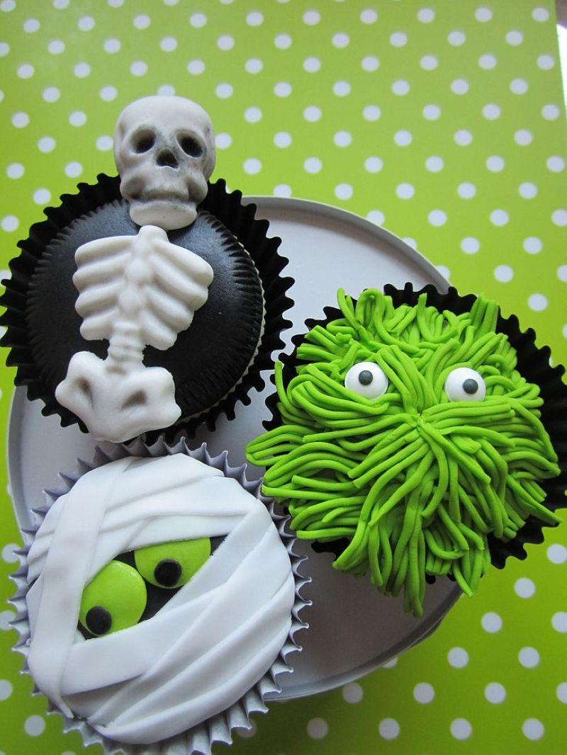 Halloween-Cupcakes-07