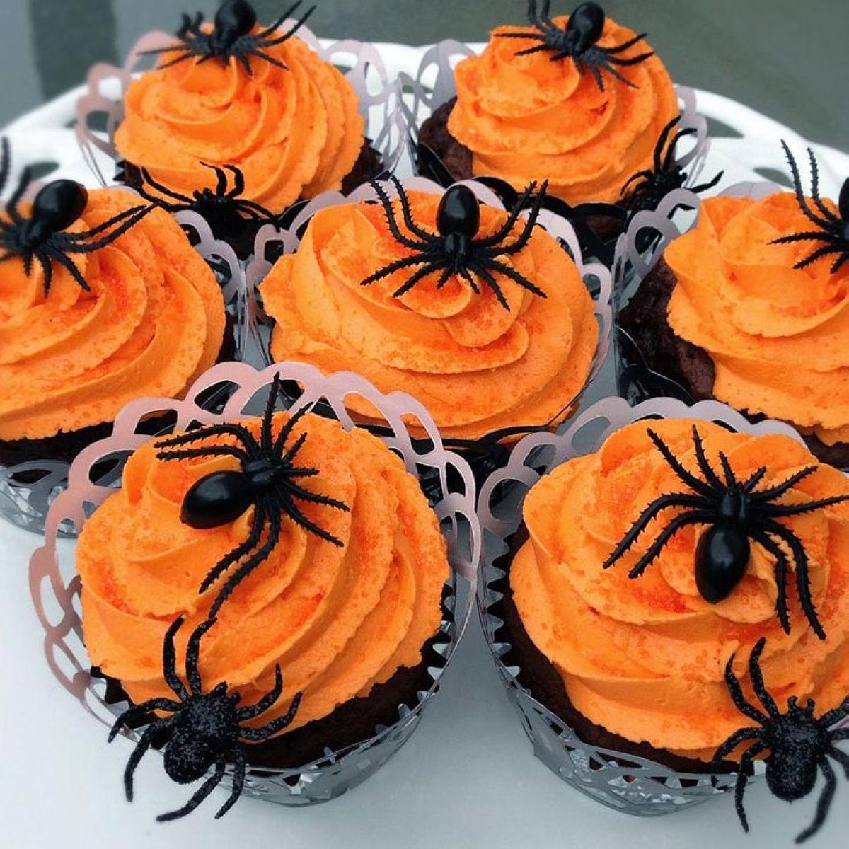 Halloween-Cupcakes-11