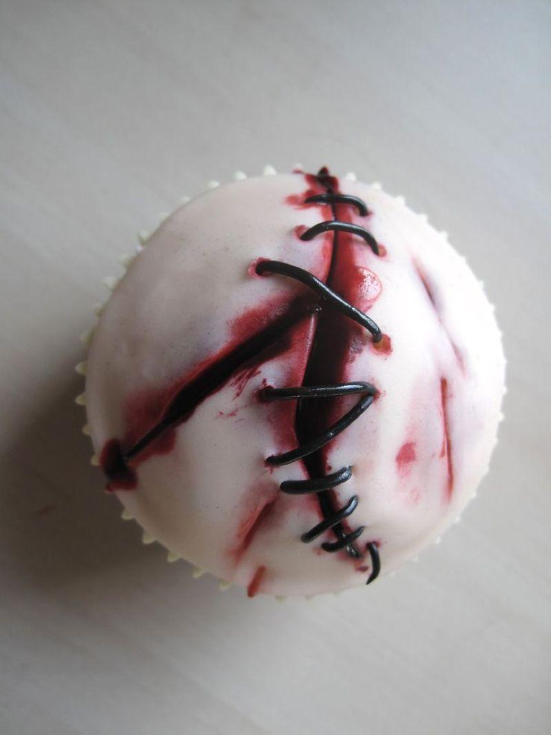 Halloween-Cupcakes-14