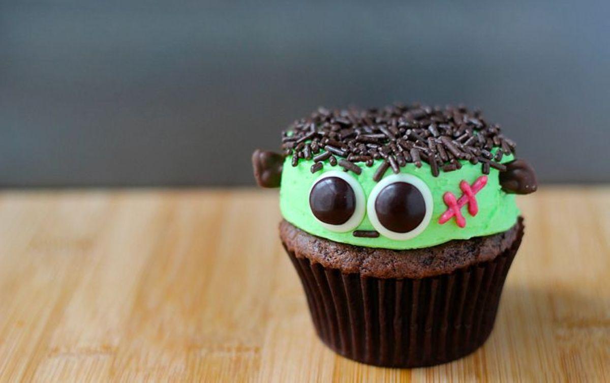 Halloween-Cupcakes-20