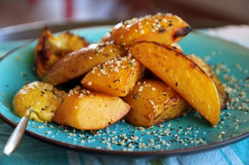 Μελωμένα ψητά κυδώνια και πατάτες