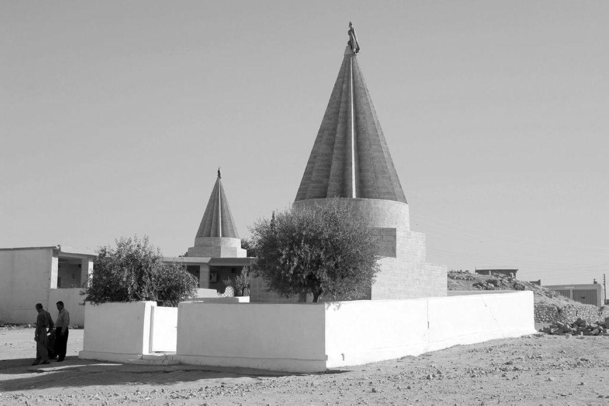 terrapapers.comyazidi melek taus (22)