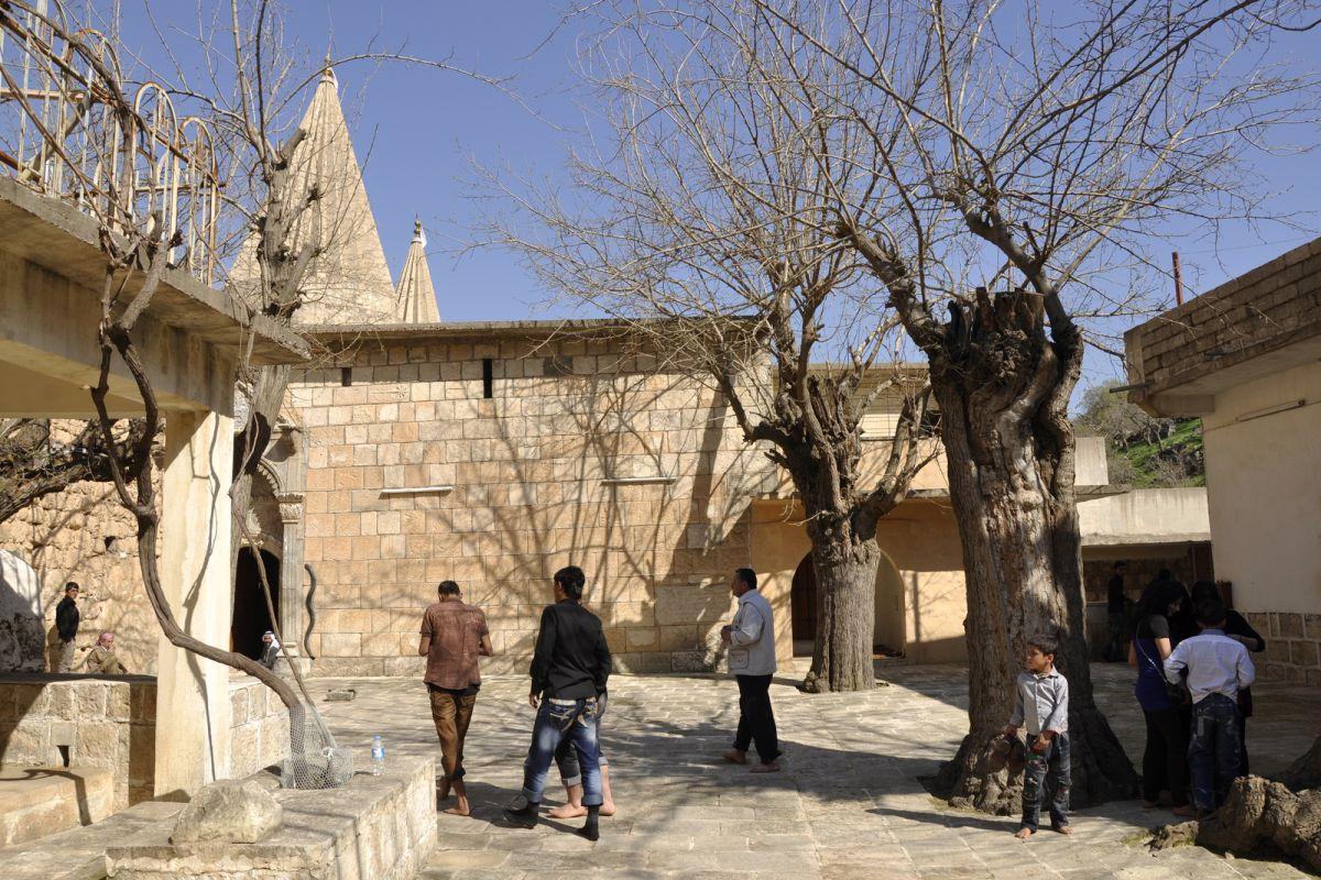 terrapapers.comyazidi melek taus (23)