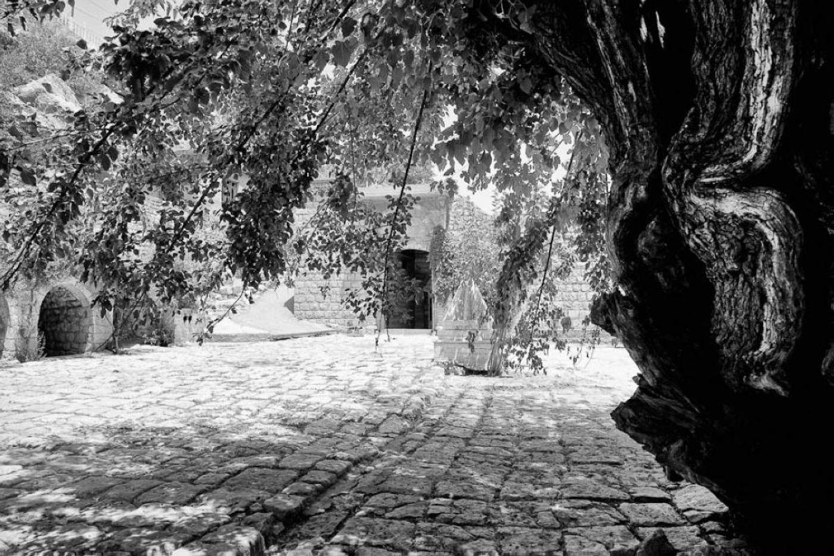 terrapapers.comyazidi melek taus (32)