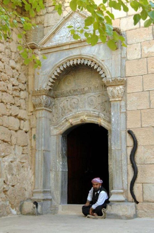 terrapapers.comyazidi melek taus (81)