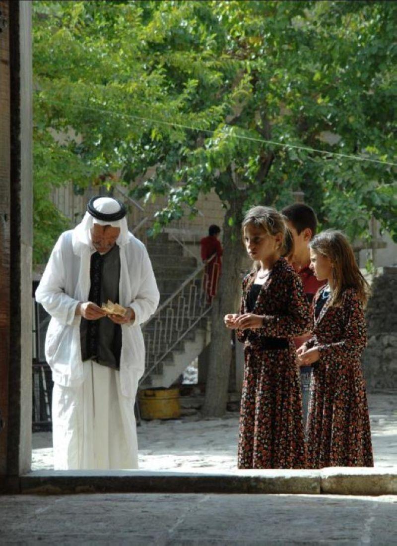 terrapapers.comyazidi melek taus (84)