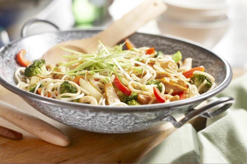 Noodles με λαχανικά στο Wok