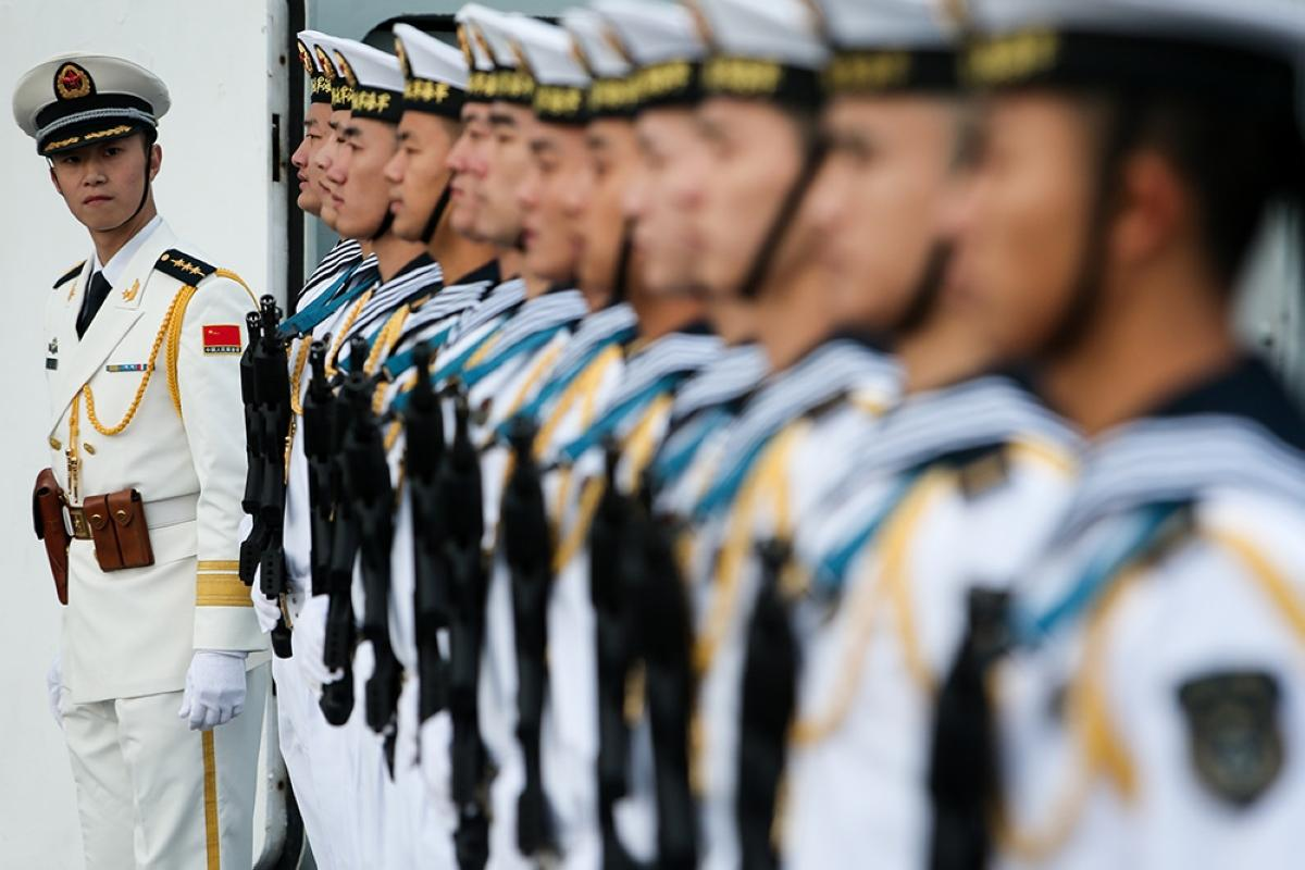 terrapapers.com_Naval honour guards stand as they wait for a review on China aircraft carrier Liaoning in Dalian