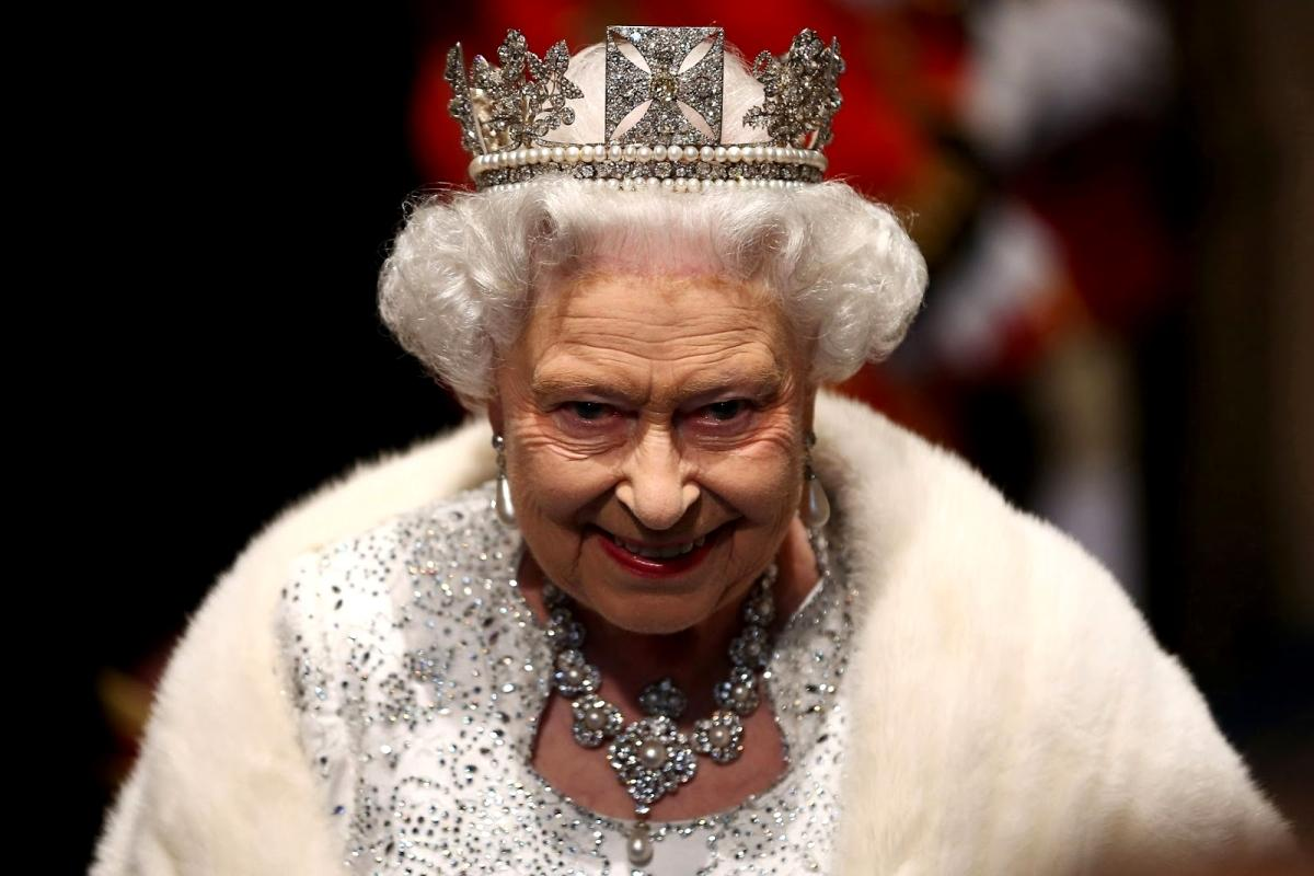 UK-Headline-News-Queen-Elizabeth