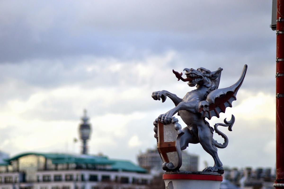 cityof-london-dragonstatue-reptilian