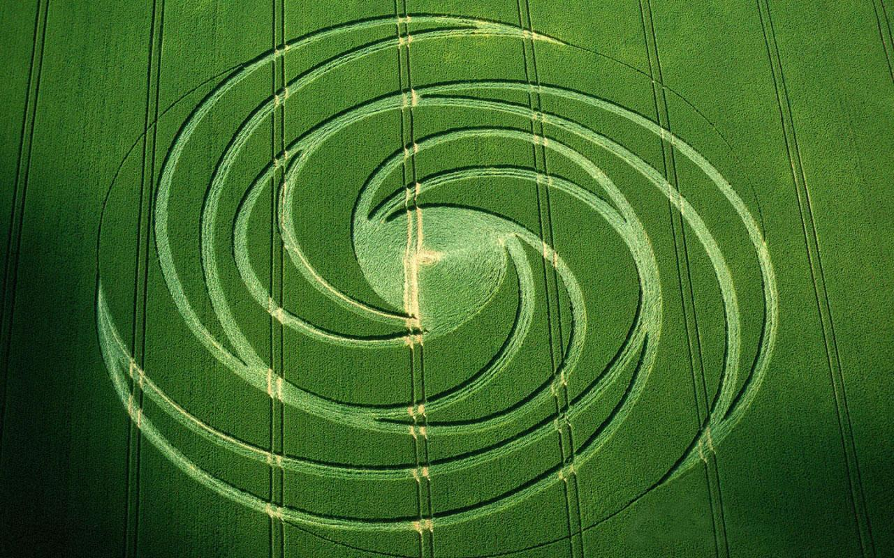 Spiral Crescents