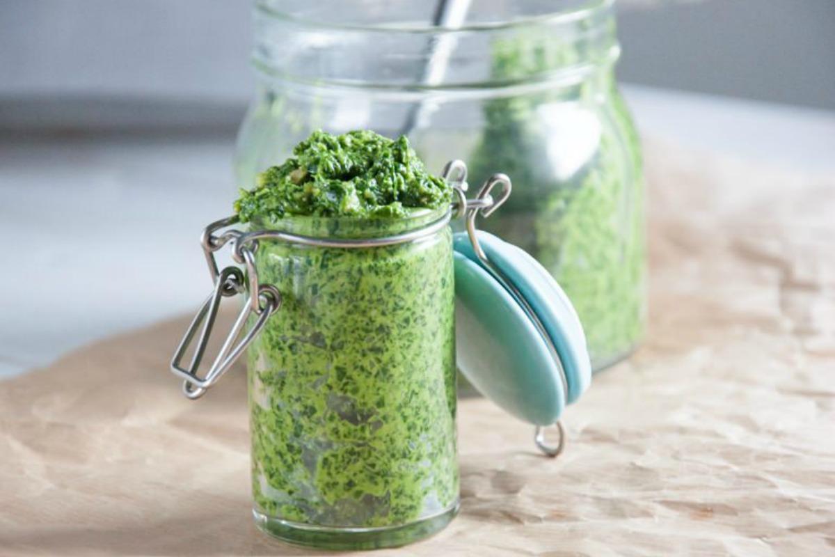 garlic sauce with avocado (2)
