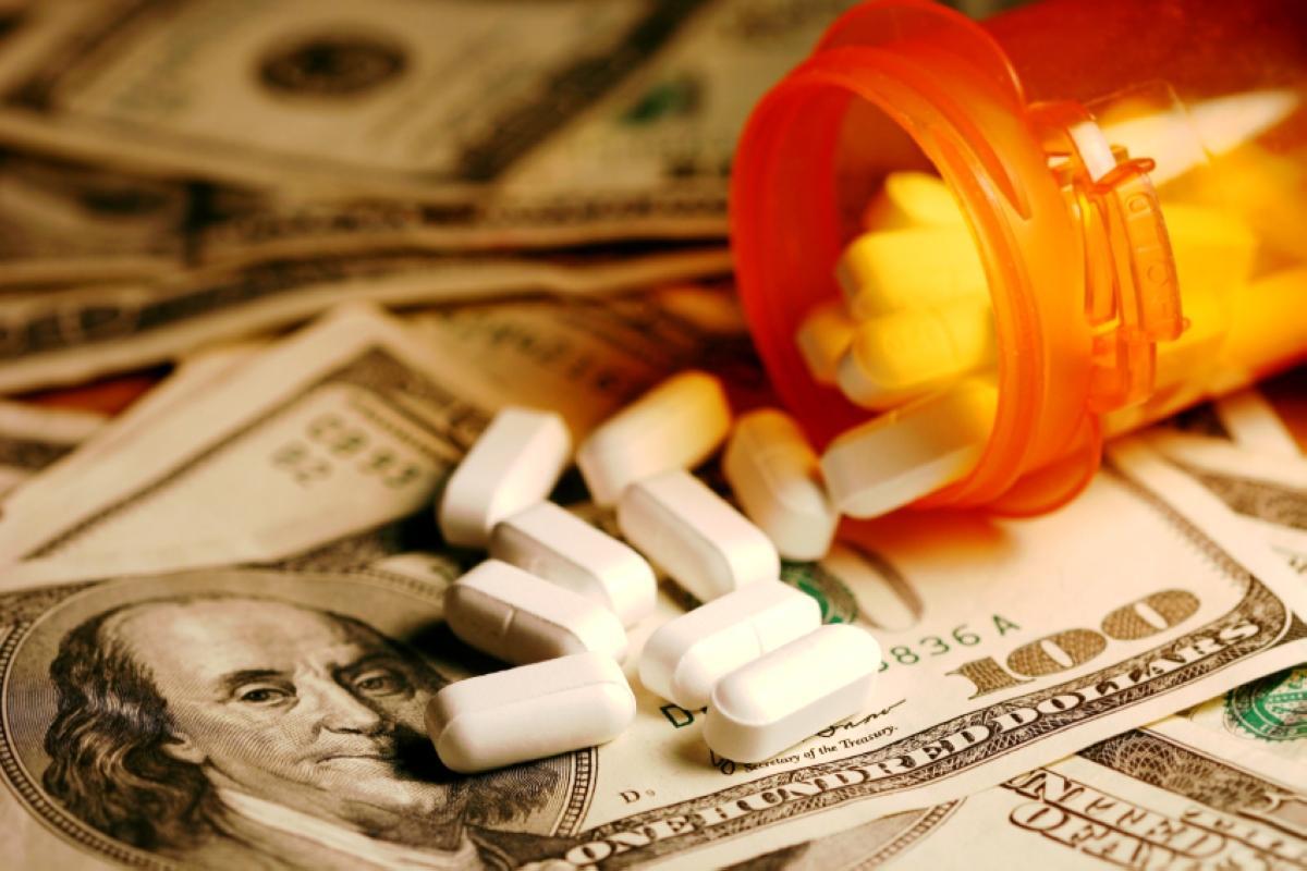 money-and-pills-2
