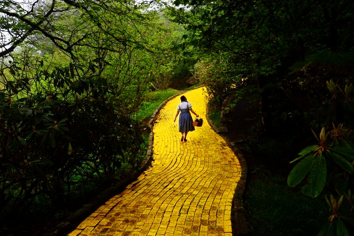 Wizard-of-Oz-Yellow Brick Road