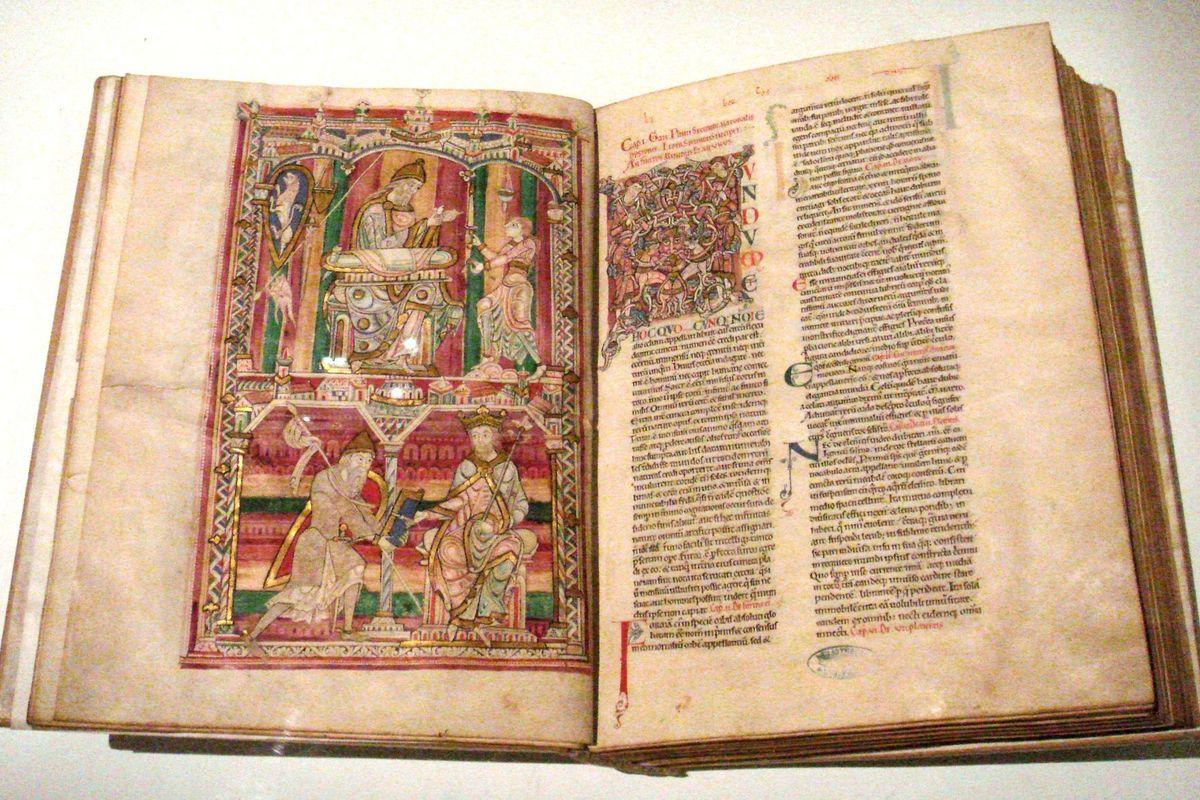 Histoire_Naturelle_Pline_l_Ancien_mid_12th_century_Abbaye_de_Saint_Vincent_Le_Mans_France